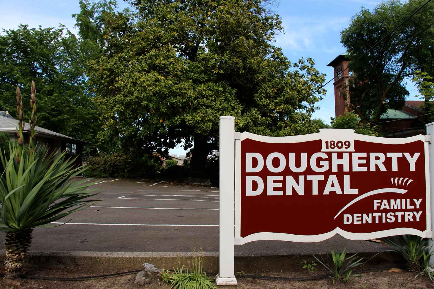 slide show image Dougherty Dental Sign